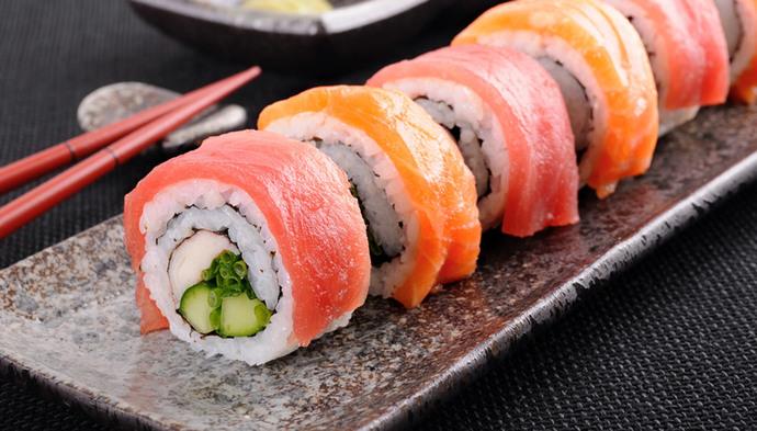 ซูชิ-อาหารญี่ปุ่นญี่ปุ่น